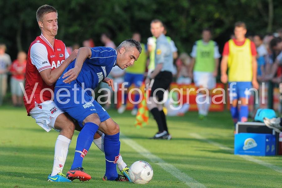 AZ heeft de oefenwedstrijd tegen MVV in Dirkshorn met 3-0 gewonnen