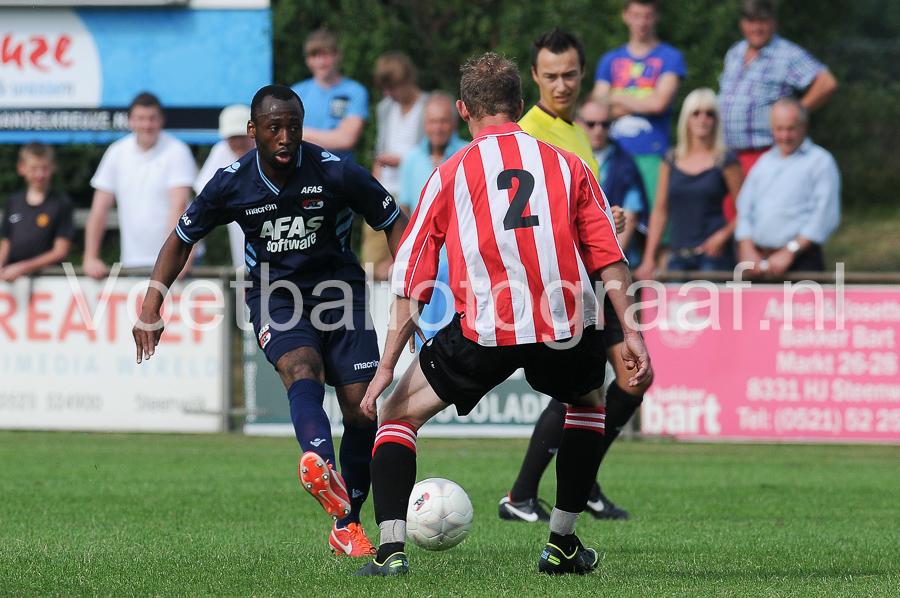 AZ heeft de oefenwedstrijd tegen VV Steenwijk met 0-10 gewonnen.
