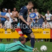 AZ won zijn derde wedstrijd in de voorbereiding op seizoen 2013-2014 met 0-12 van West Frisia in Enkhuizen.